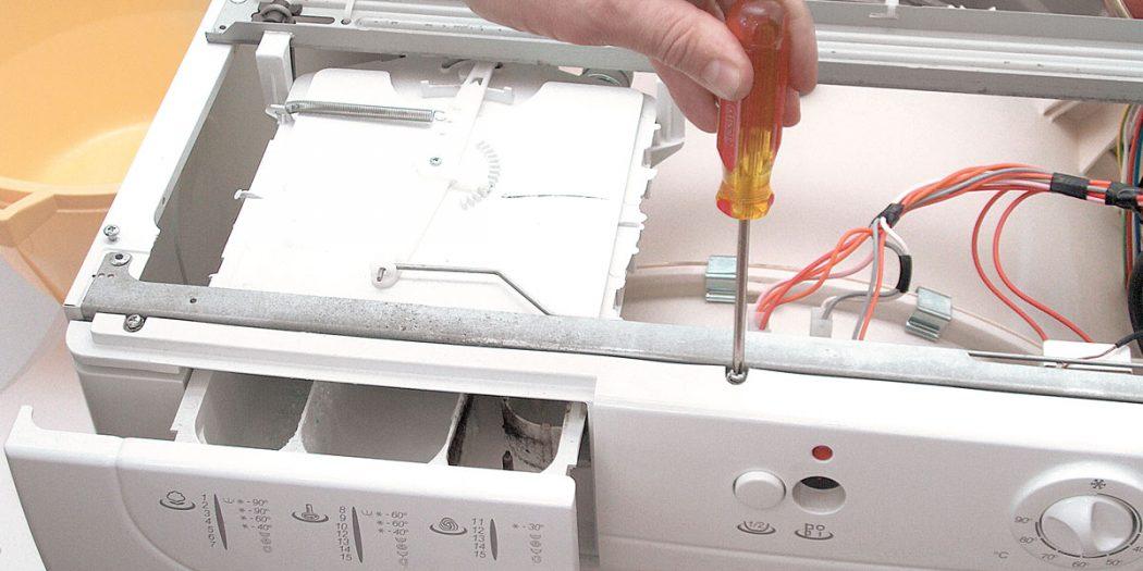 Lavatrice non si accende | Cosa fare per farla ripartire